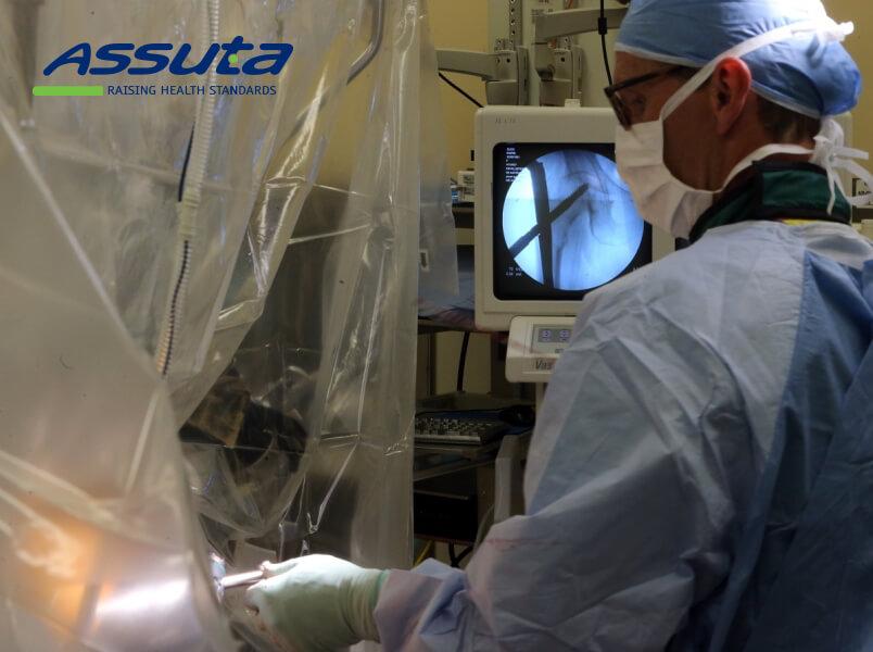 операция при переломе шейки бедра в Израиле
